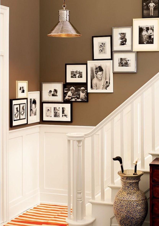 """Галерея на стене """"лестница"""""""